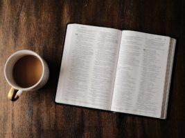 bible-wood-table-unsplash